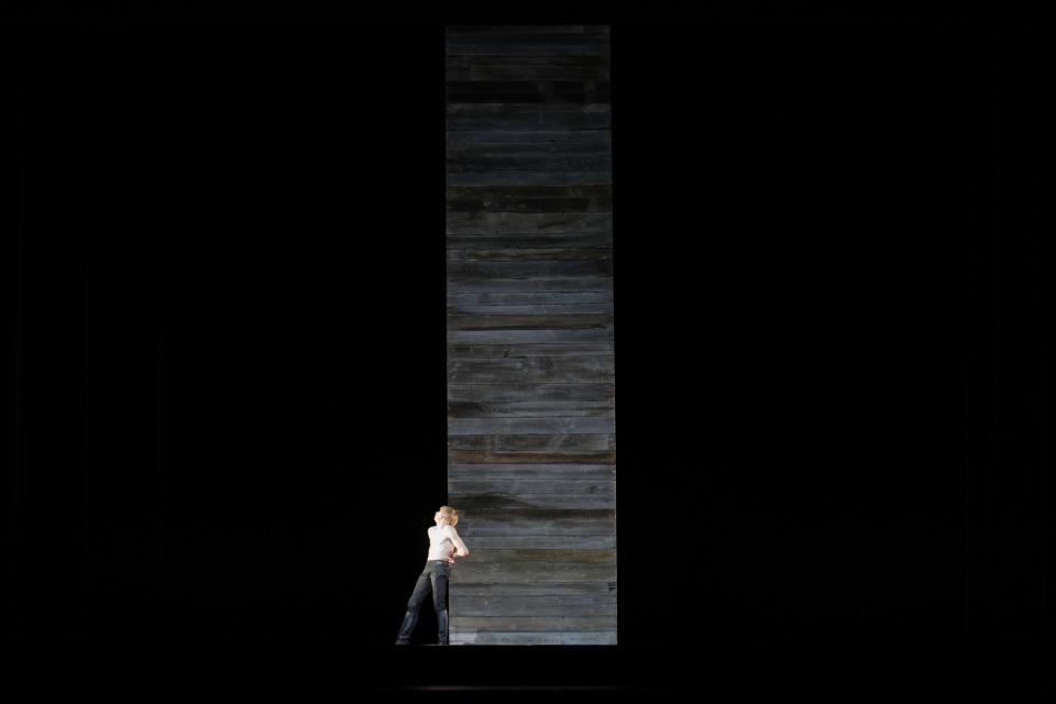 Scenography / Symphony of Sorrowful Songs